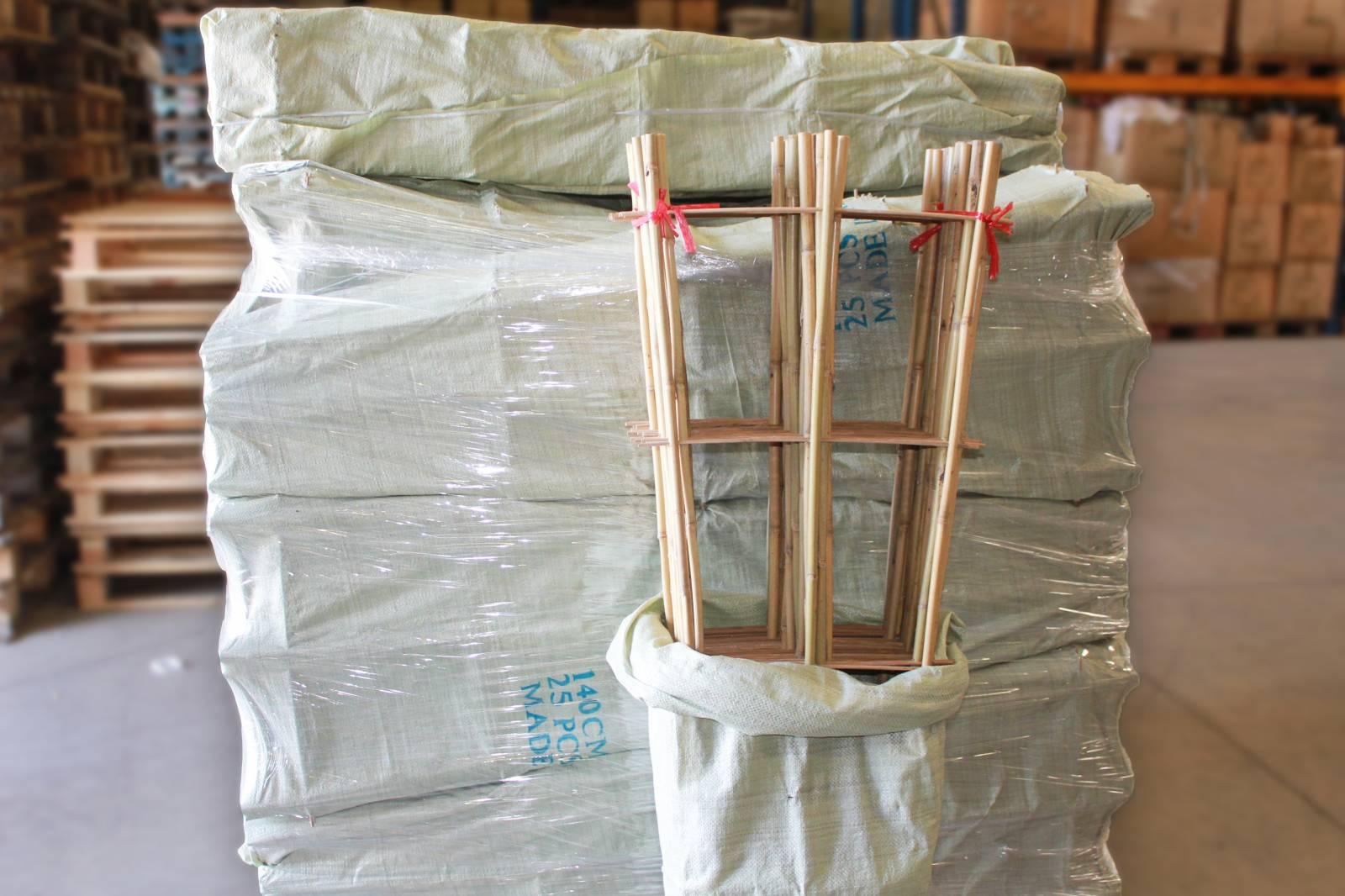 vente en gros d 39 chelle en bambou importateur de bambous et mati res v g tales naturelles pour. Black Bedroom Furniture Sets. Home Design Ideas